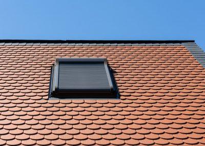 Dachfenster mit Außenrollladen